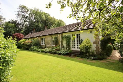 3 bedroom detached bungalow for sale - Gleniffer Cottage, Braehead Road, Thorntonhall, G74 5AQ