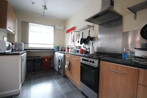 5 bedroom house share to rent - Hartley Avenue, Leeds