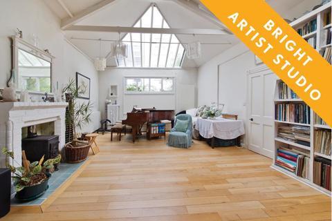 2 bedroom cottage for sale - Augustine Road, Brook Green W14
