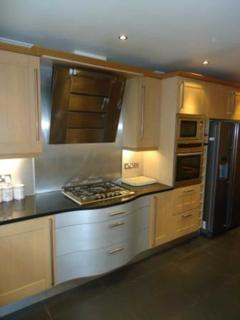 2 bedroom apartment to rent - Park Avenue, Mossley Hill