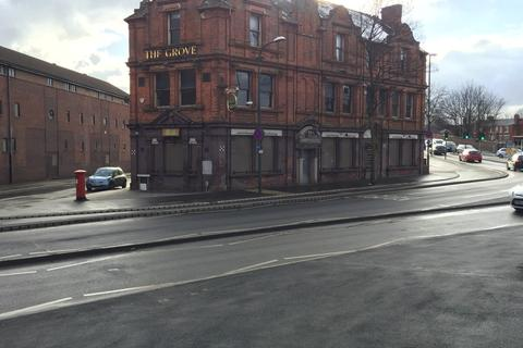 Retail property (high street) to rent - 2,400 GF Licenced Opportunity