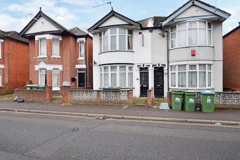 4 bedroom semi-detached house to rent - Newcombe Road, Southampton, SO15 2FS