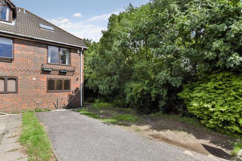 3 bedroom townhouse to rent - Berkeley Close, Southampton, SO15 2TR