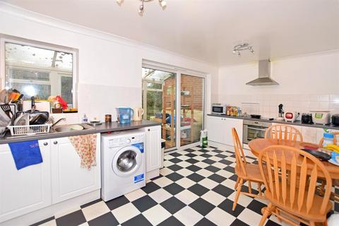4 bedroom semi-detached house to rent - Glen Eyre Road, Southampton, SO16 3NU