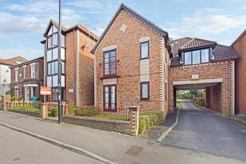 Studio to rent - Broughton House, Bullar Road, Southampton, SO18 1GS