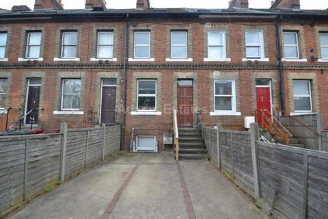 6 bedroom terraced house to rent - Kings Road, Reading