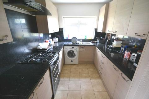 6 bedroom end of terrace house to rent - Lincoln Road, Reading