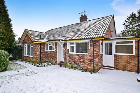 3 bedroom detached bungalow for sale - Brighton Road, Hooley, Coulsdon, Surrey