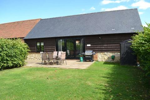 2 bedroom barn conversion to rent - Long Crendon