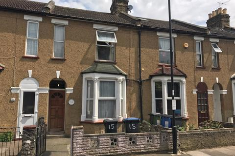 3 bedroom terraced house for sale - Edinburgh Road, Edmonton, N18