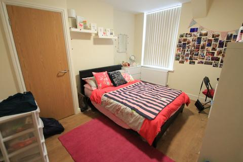 8 bedroom terraced house to rent - Cathays , Cardiff CF10