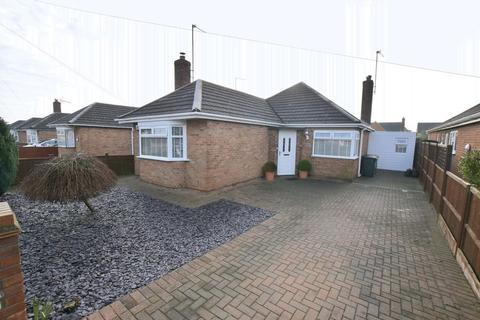 3 bedroom bungalow for sale - Oakdale Avenue, Peterborough