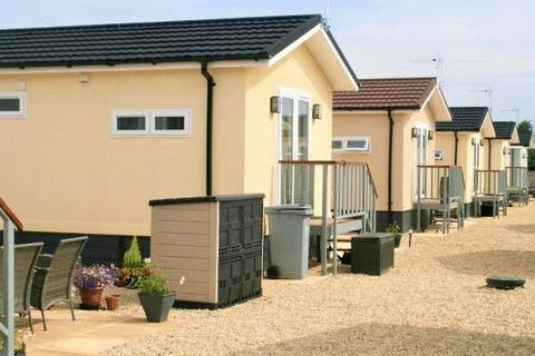 1 bedroom semi-detached house to rent - Carterton Mobile Home Park, Carterton