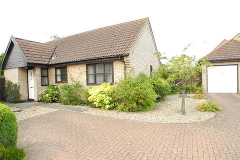3 bedroom detached bungalow to rent - Filbert Road, Loddon