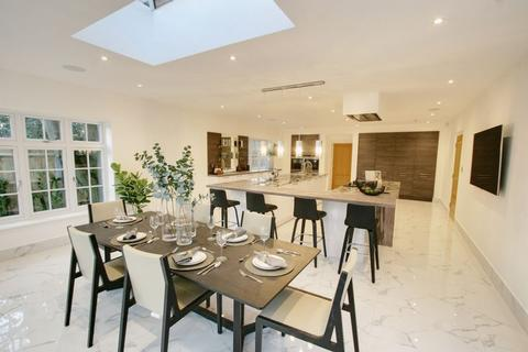6 bedroom detached house for sale - Templewood Lane, Farnham Common