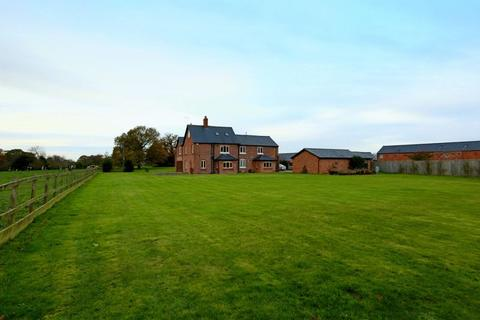 7 bedroom detached house to rent - Blakenhall, Nantwich