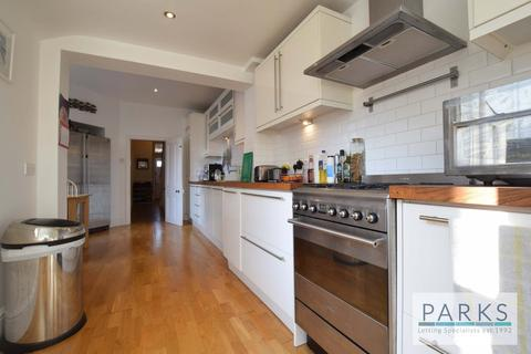 4 bedroom semi-detached house to rent - Chatsworth Road, Brighton, BN1