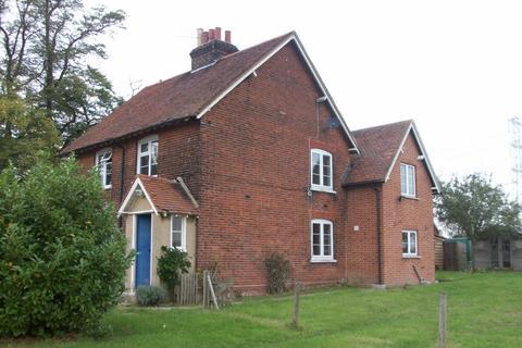 3 bedroom cottage to rent - Lodge Cottages, Tawney Lane, Stapleford Tawney, RM4