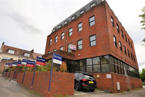 1 bedroom property with land for sale - Ambassador House, 2 Cavendish Avenue , Harrow, Middlesex, HA1 3RW