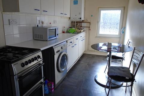 2 bedroom flat to rent - Brynymor Road, Swansea, City And County of Swansea. SA1 4JG