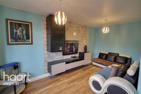 3 bedroom terraced house to rent - Dorrit Way, Rochester, ME1