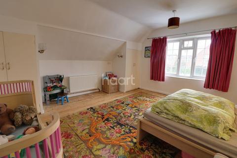 3 bedroom detached house for sale - Christchurch Road
