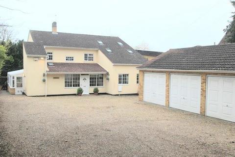 4 bedroom detached house for sale - Low Road, LOWER HELLESDON, Norwich
