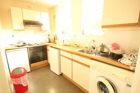 Studio to rent - Harborne Lane, Harborne, Birmingham, B17 0NT