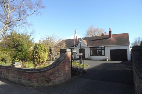 3 bedroom detached bungalow for sale - Westwood Road, Heald Green