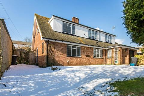 2 bedroom semi-detached house to rent - Swallowdale, Selsdon, Surrey, CR2 8SG