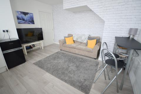 2 bedroom apartment to rent - Station Road, Woodhouse, Sheffield, S13