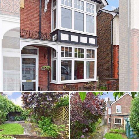 4 bedroom semi-detached house to rent - New Street, Horsham