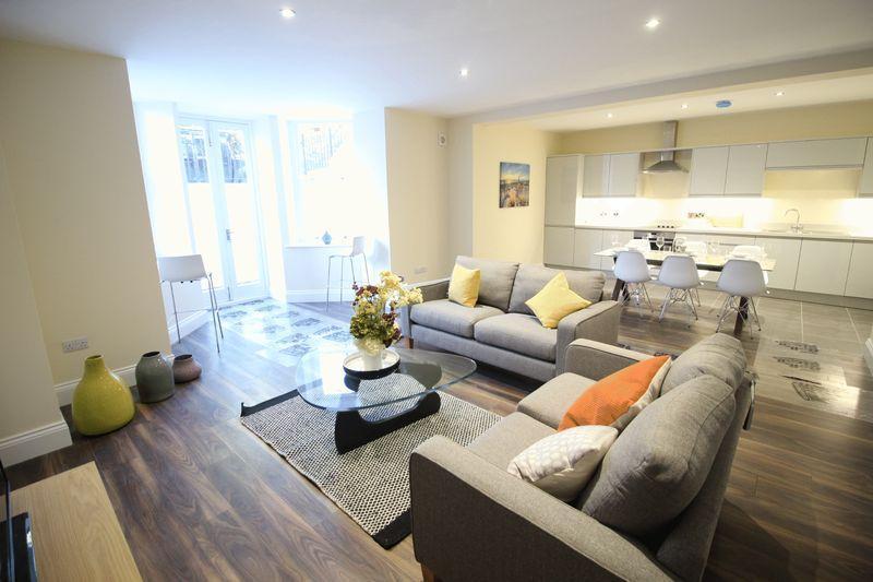 Basement Flat Brooklands Apartments 4848 Esplanade Gardens South Mesmerizing 3 Bedroom Apartments Scarborough Decor