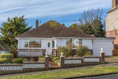 3 bedroom detached bungalow for sale - Founthill Avenue, Saltdean, Brighton BN2