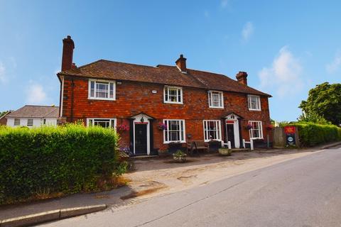 3 bedroom detached house for sale - The George Inn The Street , Bethersden, Ashford, Kent.