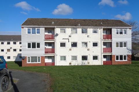 2 bedroom flat to rent - 8 Goshawk Road, Haverfordwest. SA61 2UB