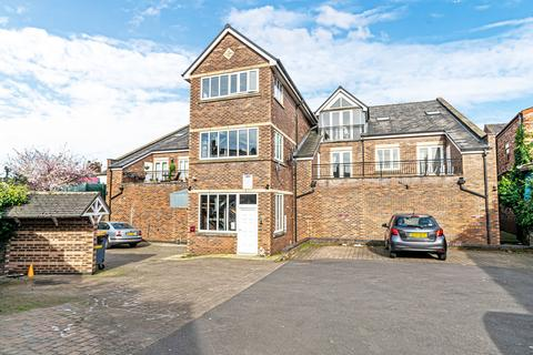 3 bedroom apartment to rent - The Village Terrace, Walton Road, Stockton Heath, Warrington, WA4