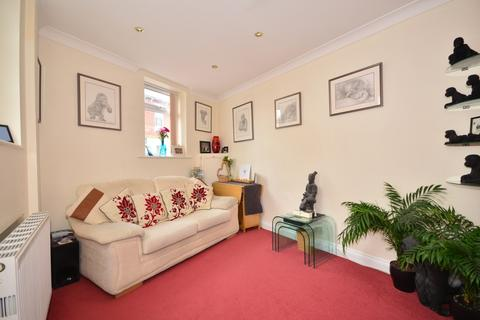 2 bedroom detached house to rent - Station Road Copnor PO3