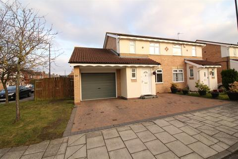 3 bedroom semi-detached house for sale - Waterford Park, Brunswick Village, Newcastle Upon Tyne
