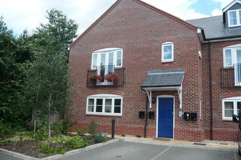 2 bedroom ground floor flat to rent - Verney Road, Winslow