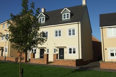 3 bedroom townhouse to rent - Pipistrelle Crescent, Trowbridge