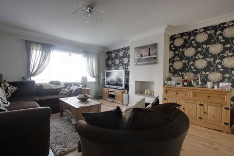 3 bedroom semi-detached house for sale - Erlstoke Close, Eggbuckland