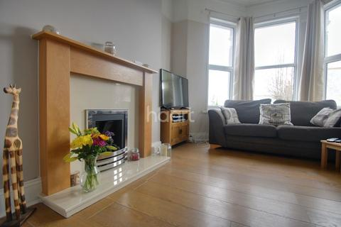 2 bedroom flat for sale - Edith Avenue, St Judes