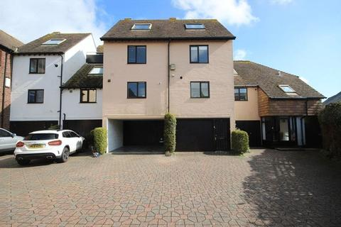 3 bedroom house to rent - CHRISTCHURCH TOWN CENTRE