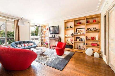 2 bedroom apartment  - Paris 07, Paris, Ile-De-France