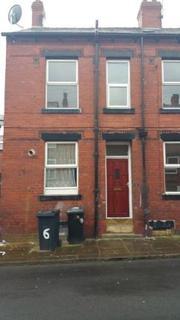 4 bedroom terraced house to rent - Harlech Road, Beeston, Leeds, LS11