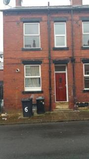 4 bedroom terraced house to rent - Harlech Street, Beeston, Leeds, LS11