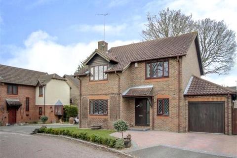 4 bedroom detached house to rent - Sandford Down, The Warren, Bracknell, Berkshire, RG12