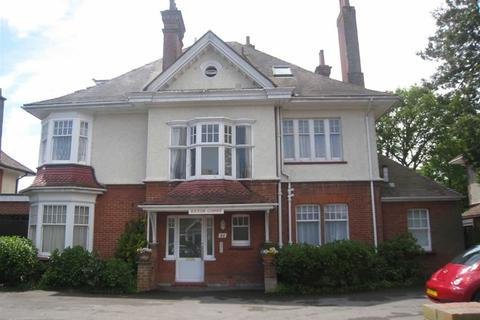 2 bedroom flat to rent - Portchester Road, Charminster, Bournemouth