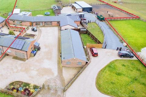 4 bedroom barn conversion for sale - Beeby Road, Scraptoft, Leicester